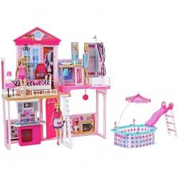Barbie namas su baseinu ir...